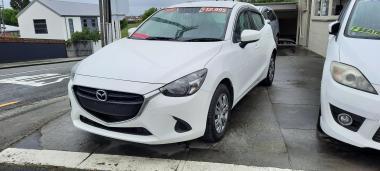 15 Mazda Demio