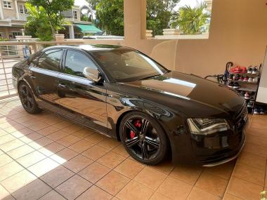 2013 Audi S8 4.0 V8T 382KW Quattro Sedan
