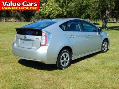 2014 Toyota PRIUS L
