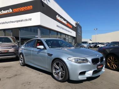 2013 BMW M5 4.4 V8 Twin-Turbo Sedan