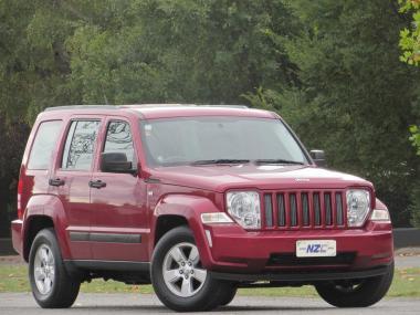 2011 Jeep Cherokee SPORT