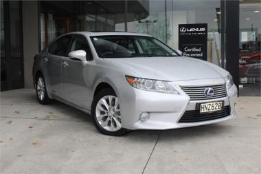 2014 Lexus ES 300H Hybrid Performance, NZ New,