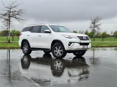 2019 Toyota Fortuner GXL 2.8L TD 5 Door 7 Seater 4