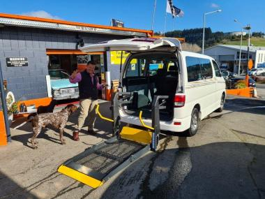 2000 Toyota HIACE DISABLED WHEEL CHAIR LIFTER