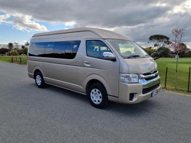 2014 Toyota Hiace Grand Cabin 10 Seater 4WD