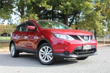 2015 Nissan Qashqai ST 2.0 litre petrol, Cvt trans