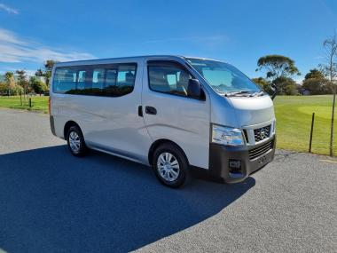 2013 Nissan NV350 10 Seater