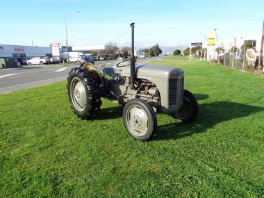 1960 Massey Feruson Tractor