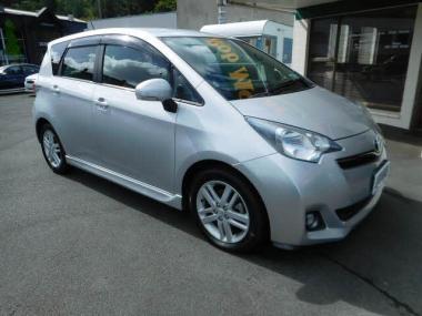 2011 Toyota Ractis hatch