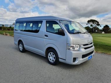2017 Toyota Hiace 10 Seater