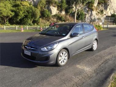 2013 Hyundai Accent 1.6 5D A4