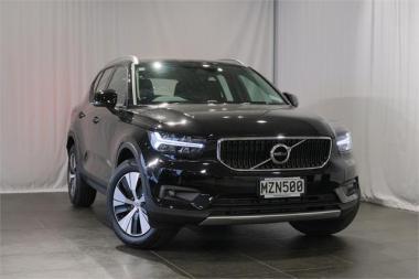 2020 Volvo XC40 T4 MOMENTUM 2.0L