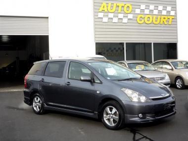 2004 Toyota Wish XS