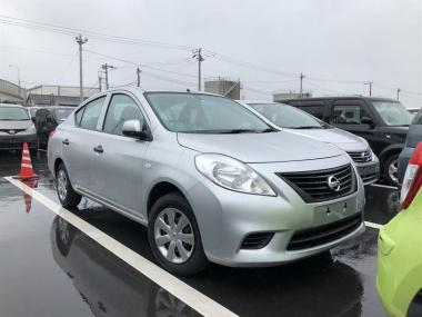 2014 Nissan Tiida LATIO