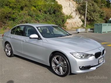 2012 BMW 328i Luxury Line