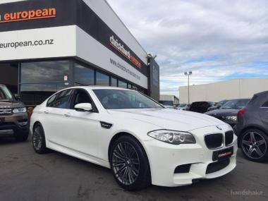 2013 BMW M5 4.4 V8 Twin Turbo DCT Sedan
