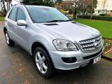 2005 MERCEDESBENZ ML320 in Southland