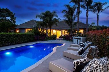 Stylish Family Home  acre- Karaka West