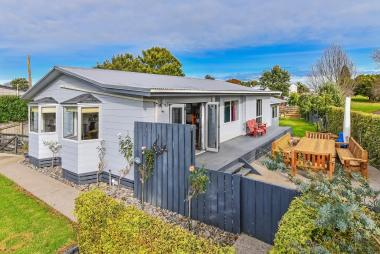 Room for Kids, Pets and Extras Central Clarks Beach
