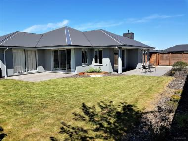 ACTION WANTED  - HIGH QUALITY FAMILY HOME