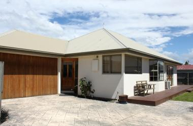 LOVELY SUNNY 3 DOUBLE BDRM HOME