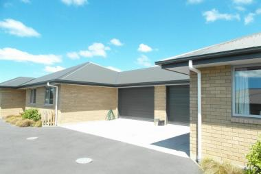Calling All Investors - Two Modern Town Houses On 847 Sq M